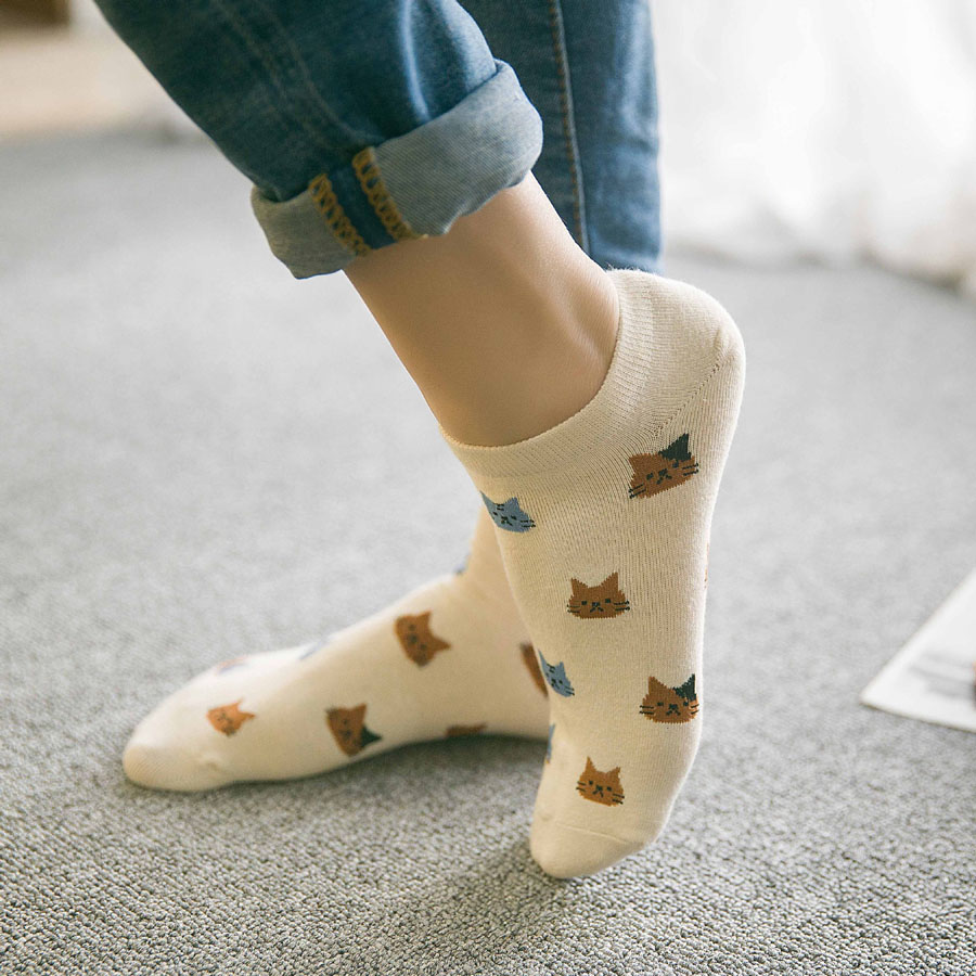 New cartoon cute cat face thin section invisible shallow mouth women's cotton socks short tube socks spring and summer(China (Mainland))