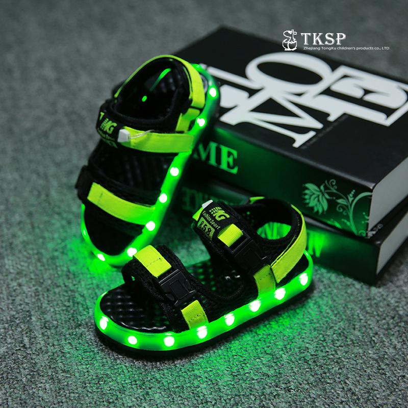 Free Shipping 2016 New Fashion LED PU 7 Color USB Charging Waterproof Children Kids Sandals Boys Grils Kids Shoes A42(China (Mainland))