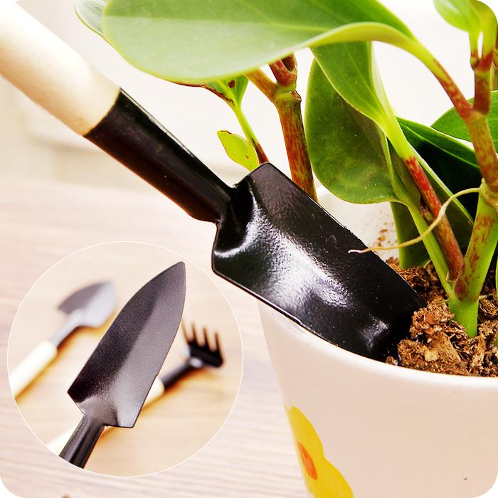 Cheap multifunction gardening tools rake shovel spade for Affordable garden tools