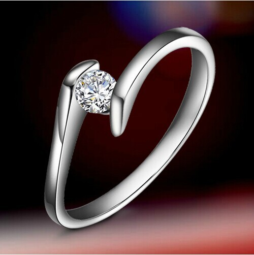 0.5 Ct Genuine White Gold Lovely Design Chic Synthetic Diamond Engagement Ring For Woman Fabulous 14K Wedding Jewelry For Women(China (Mainland))