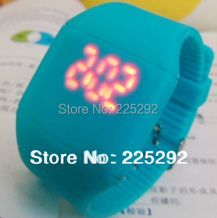 free &amp; drop shipping gift men ladly watch Han edition fashion promotion new student table jelly LED touch the table 50pcs /a lot<br><br>Aliexpress