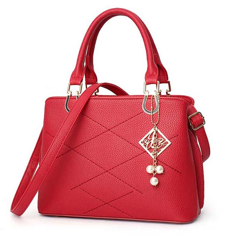New 2016 winter & Spring Women love the new brand handbag patent leather openwork hand bag Korea fashion single shoulder bags(China (Mainland))