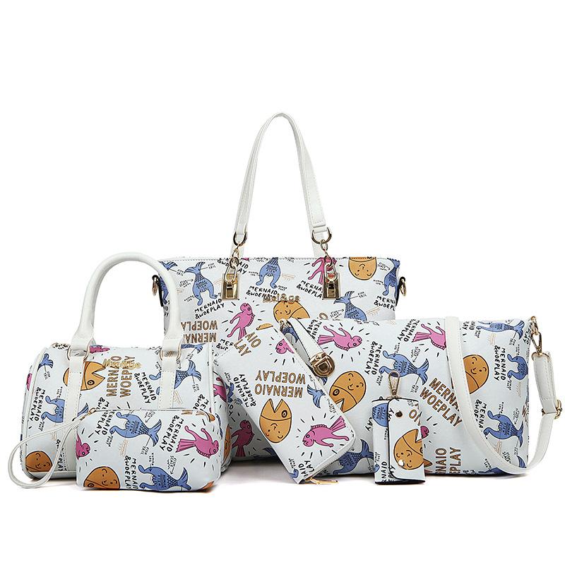 2 women handbag