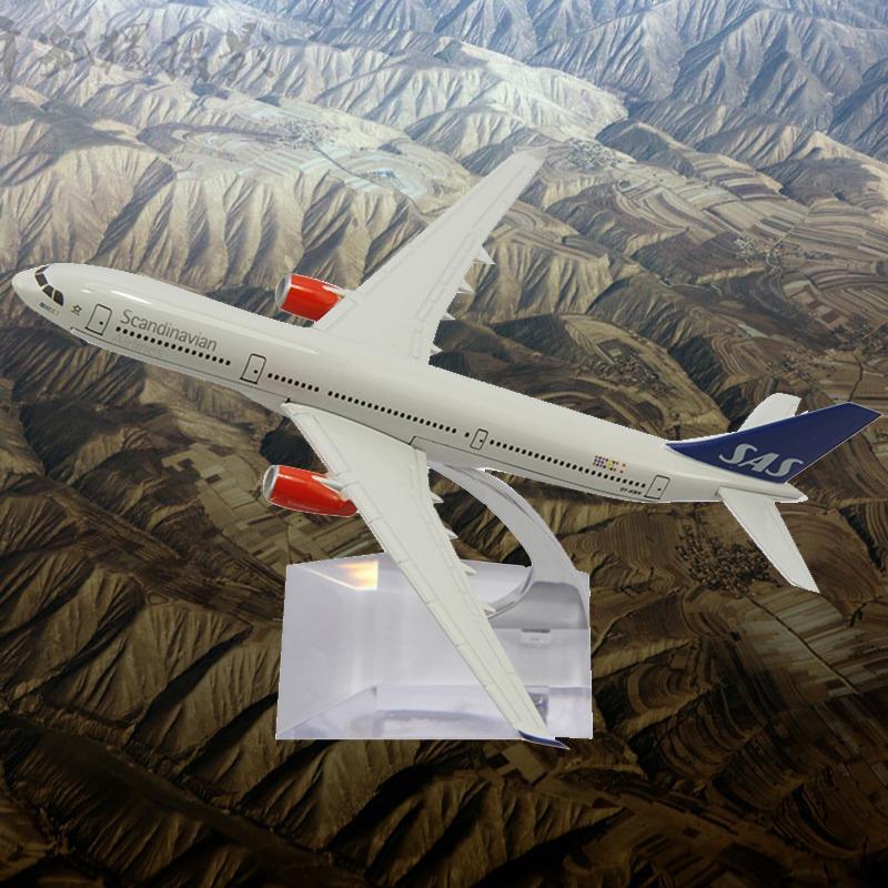 2014 Sale Brinquedos Meninos Cars Pixar Juguetes 16cm A320 Sas Die Cast Metal Boeing Commercial Plane Model Length For Chirstmas(China (Mainland))