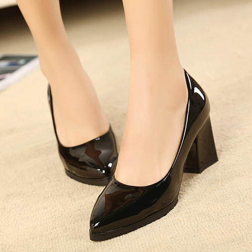 Hot Pointed Toe Pumps ! Free Shipping 2014 Thick Med Heels Shoes Women Fashion Sandals Sexy Less Platform Women Shoes(China (Mainland))