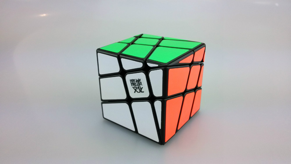 2015 New MoYu YJ8226 Crazy Hot Wheel 3x3x3 Magic Cube Twist Speed Puzzle Cubo Magico Educational Toys 2 Colors Free Shipping(China (Mainland))