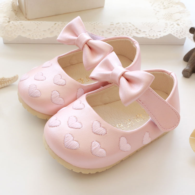 Free shipping Baby shoes Autumn love embroidered bow princess Baby leather 0 - 1 - 2 years old baby soft outsole toddler shoes(China (Mainland))