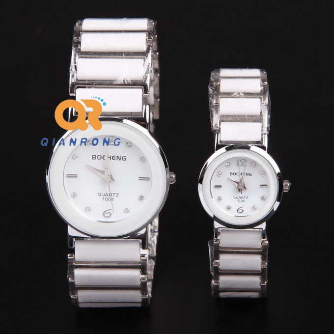 2015 Real New Stainless Steel Glass Quartz Under 10mm Women Round Reloj Cartoon Watch Convex Section Retro Diamond Student Table(China (Mainland))