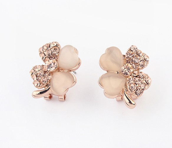Europe and the sweet cat's eye four-leaf flower boutique jewelry wholesale Korean fashion best selling ear clip EH049(China (Mainland))