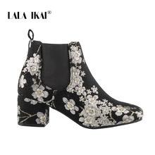 LALA IKAI yarım çizmeler Kadın 2019 Sonbahar Kış Vintage Çiçek Nakış Slip-on Çizmeler Siyah Orta Topuklu zapatos de mujer WC5820-4(China)