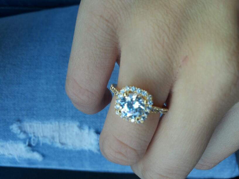 К чему снится получить в подарок кольцо с камнем 71