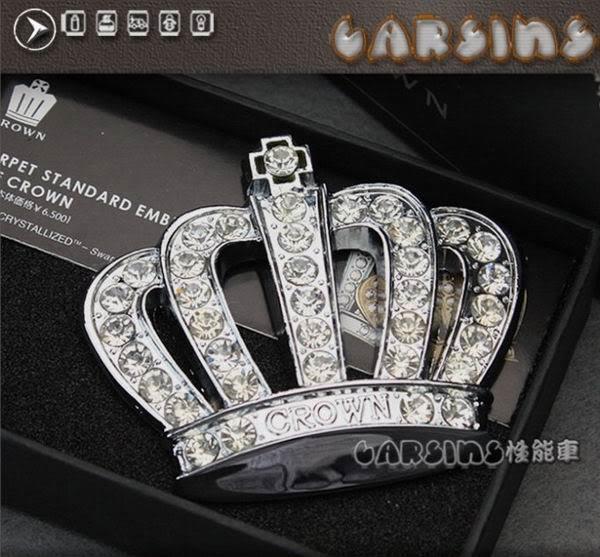 автомобиль со знаком корона