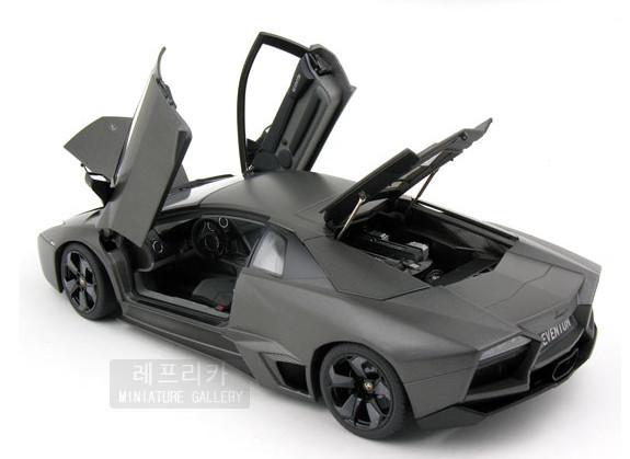 ! 2016 latest ! AUTOART 1:18 Lamorghinii Reventon alloy automobile fashions block