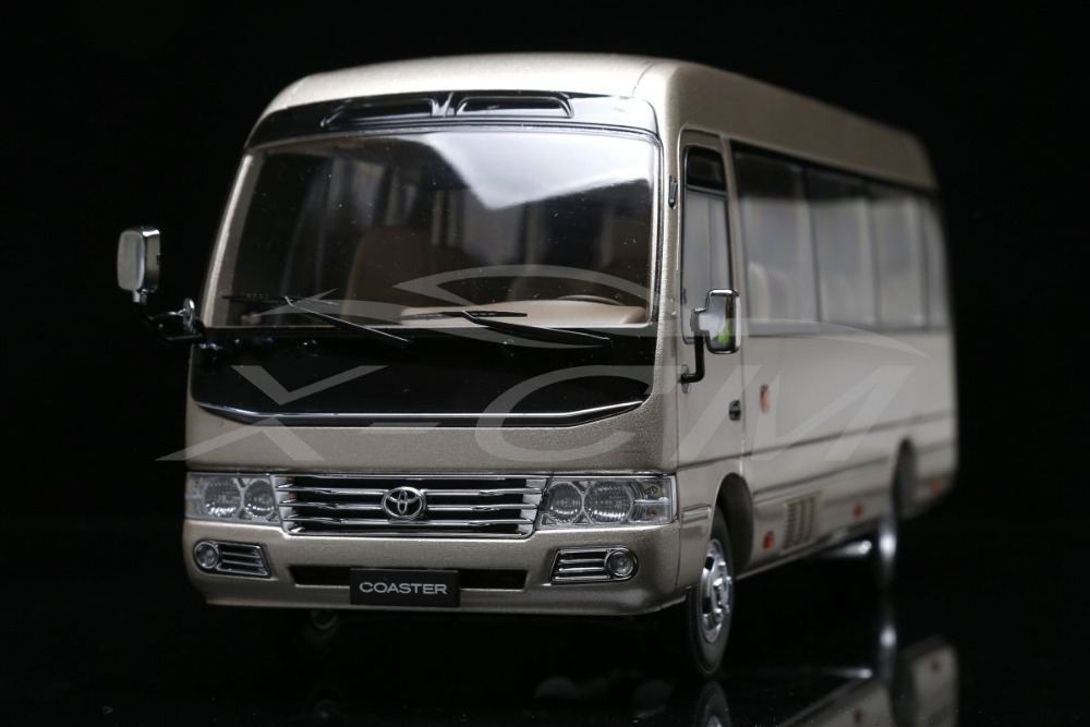 Diecast Bus Model Toyota Coaster Business Van Minibus 1:24 (Gold) + SMALL GIFT!!!!!(China (Mainland))