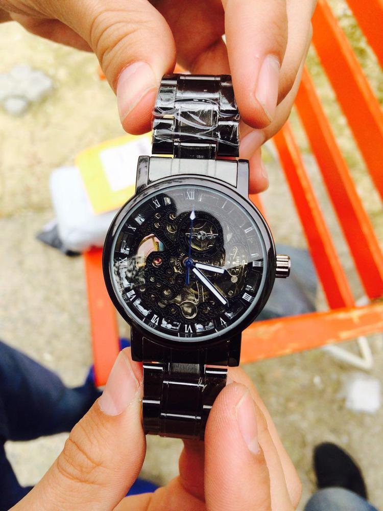 Часы черный титан
