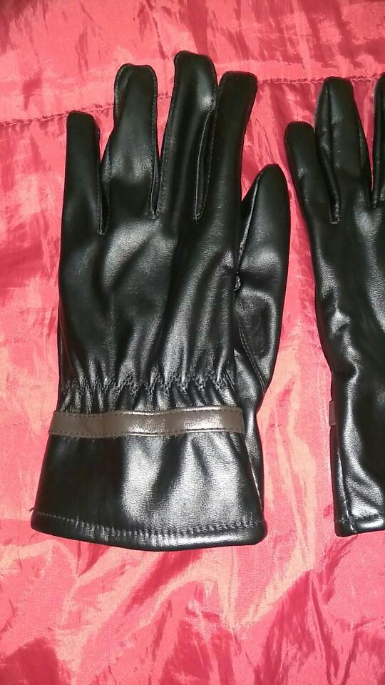 я в шоке. перчатки мне очень понравились. конечно не кожа. смотрятся очень хорошо. спасибо большое продавцу.