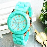 送料無料ホット2014年最高の販売ファッション腕時計レディースウォッチカジュアルスポーツブランド女性のためのシリコーンのゼリークォーツ時計